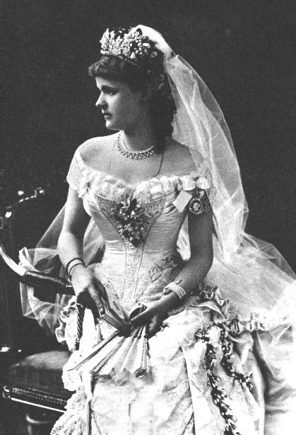 Wedding photo of Princess Helena of Waldeck-Pyrmont, 1882