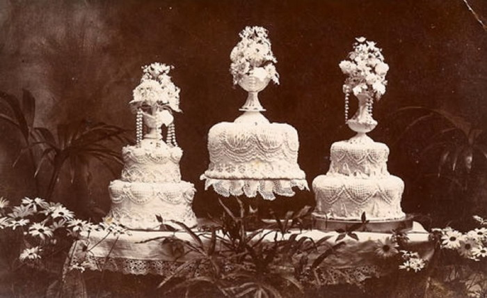 Wedding cakes, 1800s