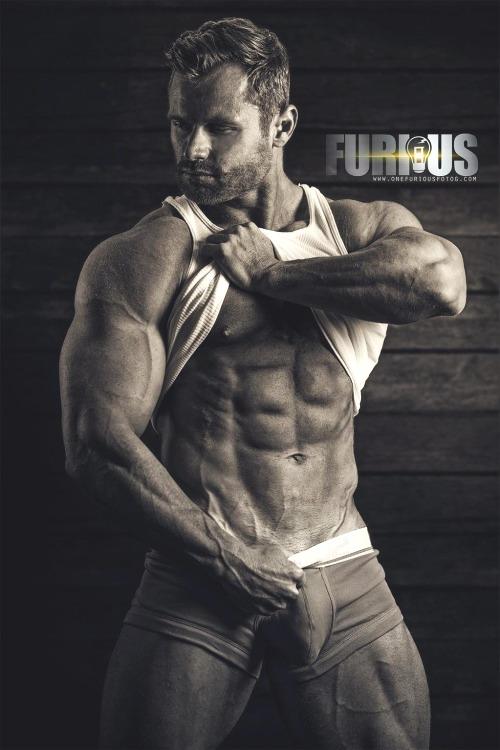 Model Caylan Hughes