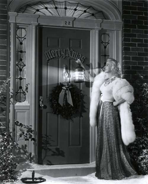 Marilyn Maxwell Christmas photo, looks like early 1950s
