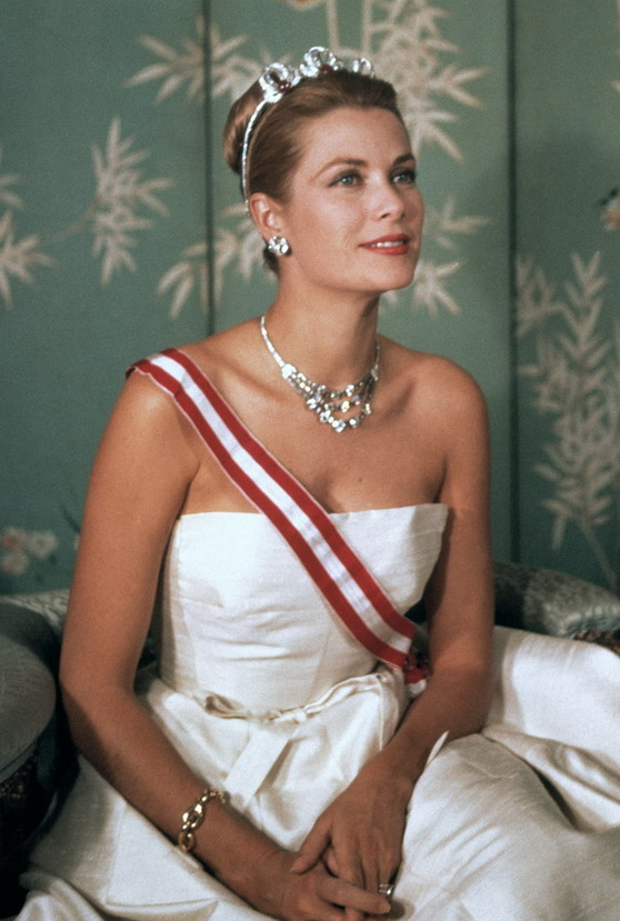 Princess Grace Kelly, wearing Cartier jewelry, 1959