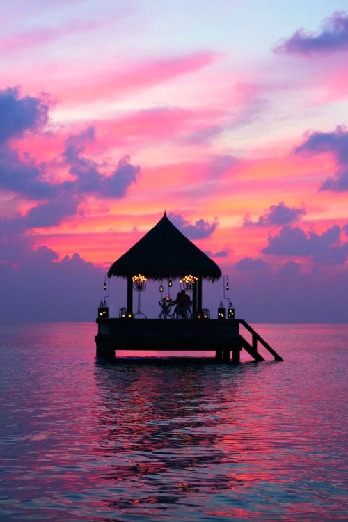 Tropical cabana & sunset