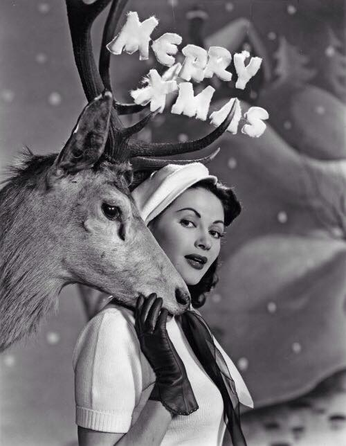 Merry Christmas from Yvonne DeCarlo