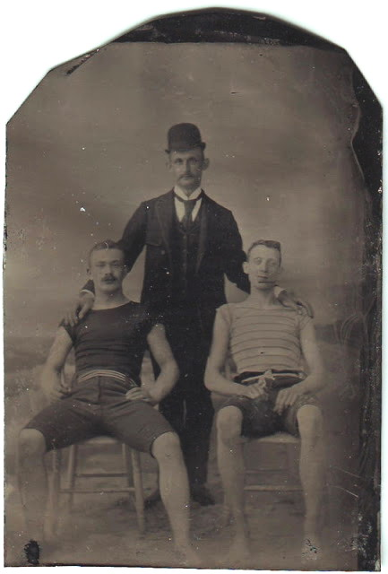 3 men together 097