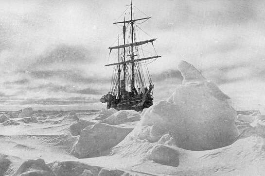 "Stuck in the Antarctic ice – Ernest Shackleton's ship ""Endurance"""