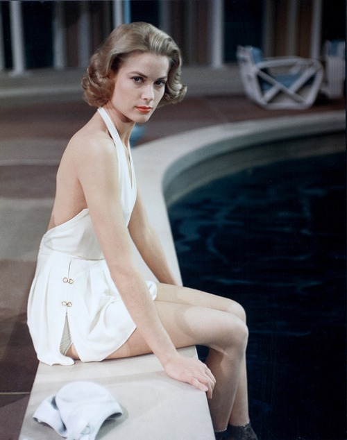 Grace Kelly at thepool