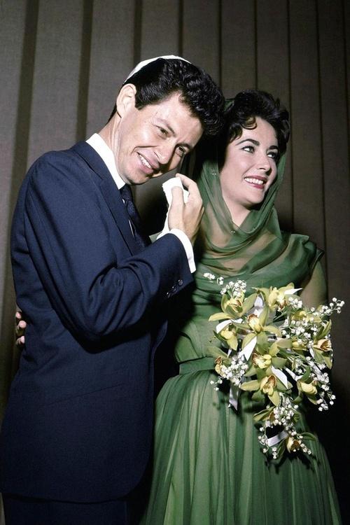 Eddie Fisher and Elizabeth Taylor wedding picture,1959
