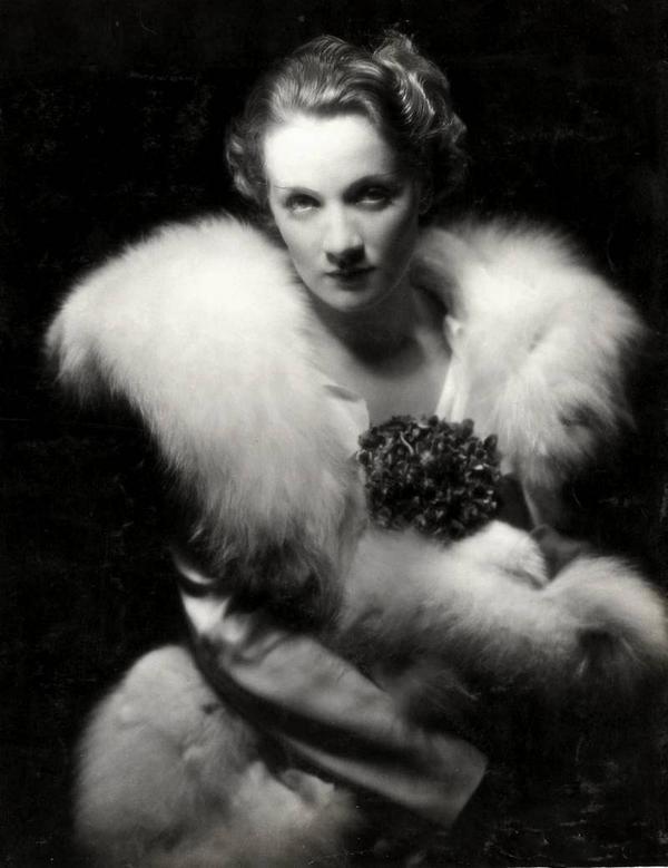 Marlene Dietrich in fur,1931
