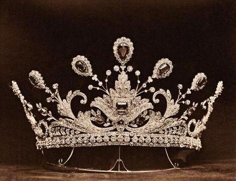 tiara 1412