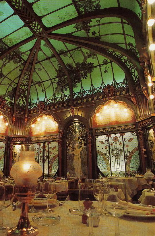 Art Nouveau style restaurant,Paris