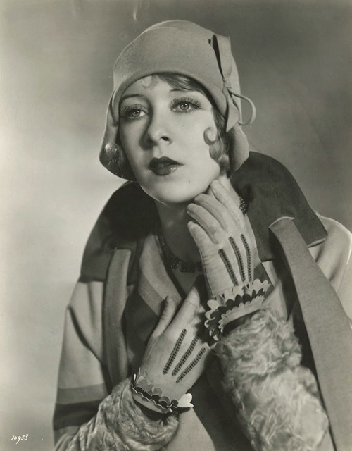 Gwen Lee by Clarence SinclairBull
