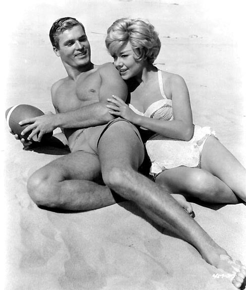 """Ty Hardin and Glynnis Johns in """"The ChapmanReport"""""""