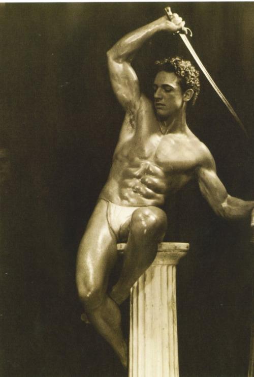 Arman Ozon, 1940s
