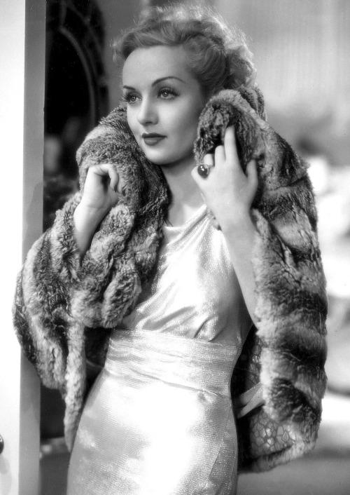 Carole Lombard infur