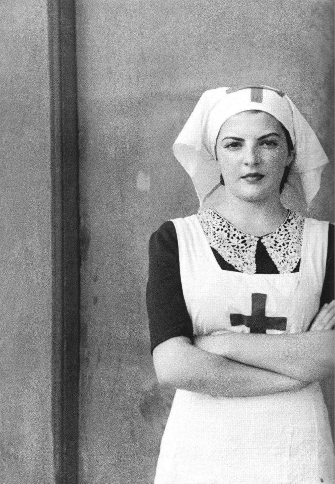 Nurse during the Spanish Civil War, Hospital de Sangre de Buitrago, Madrid, 1936 (by Luis RamónMarín)