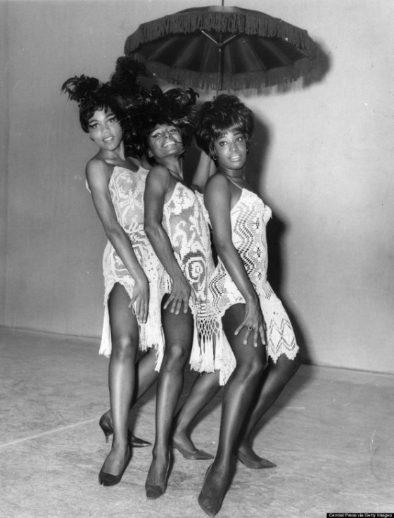 3rd October 1964:  Members of the Alvin Ailey American Ballet who perform a range of dance styles from Jazz to traditional spirituals posing together while in London for a season at the Shaftesbury Theatre. Left to right - Lucinda Ranson, Loretta Abbott and Joan Peters.  (Photo by Central Press/Getty Images)