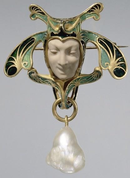 Art Nouveau jewelry, by Lalique Ithink