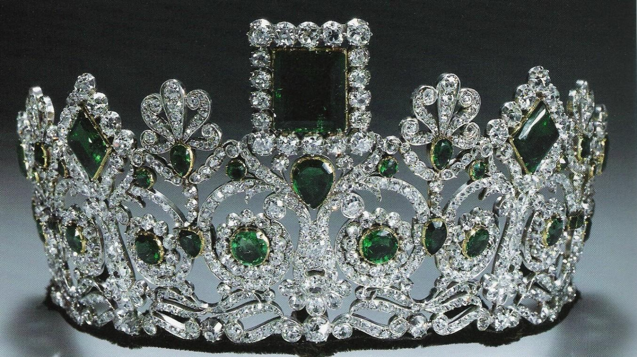 Empress Josephine emerald and diamond tiara, France, 1800s