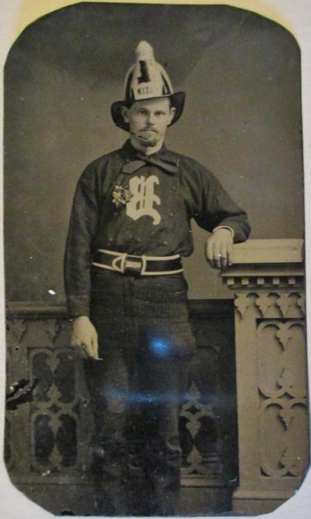 Vintage Fireman/Pompier ancien