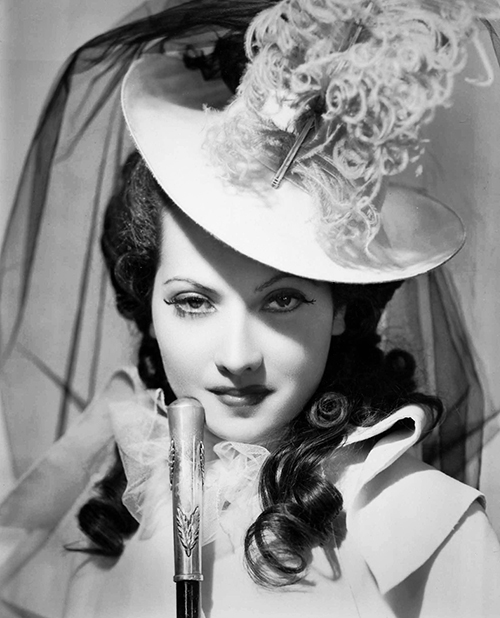 "Merle Oberon as Lady Blakeney in ""The Scarlet Pimpernel"", 1934"