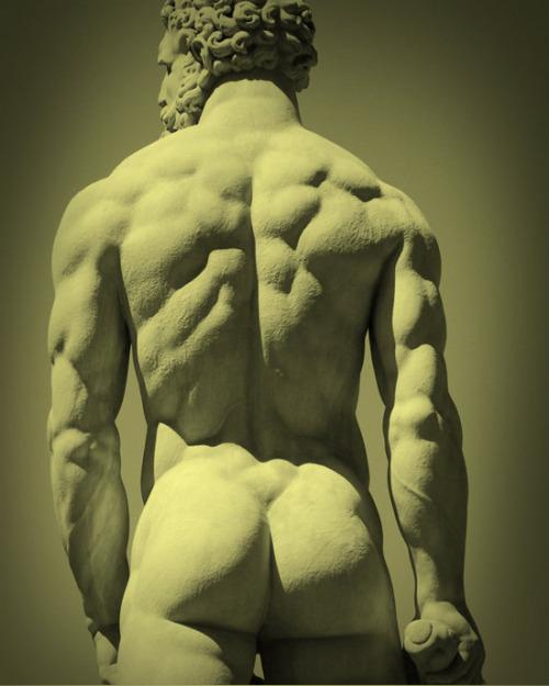statue zeus butt