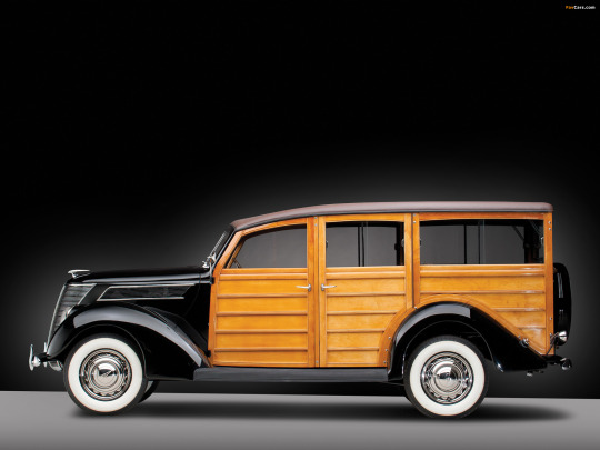 1937-ford-v8-deluxe-station-wagon-1