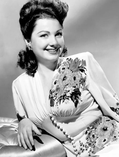 Anne Baxter, 1940s
