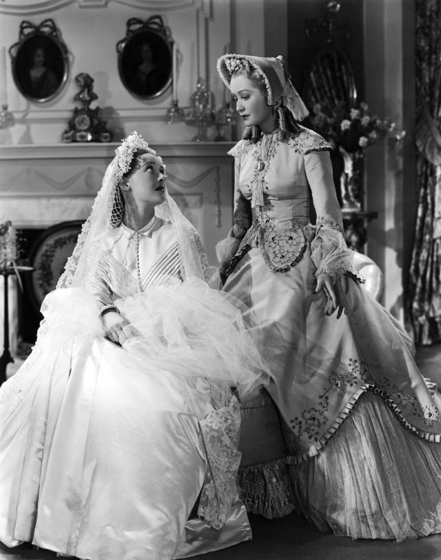 Bette Davis (left) and Bette's least favourite co-star MiriamHopkins