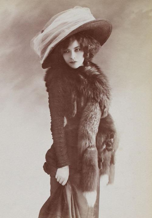 emilie-marie-bouchaud