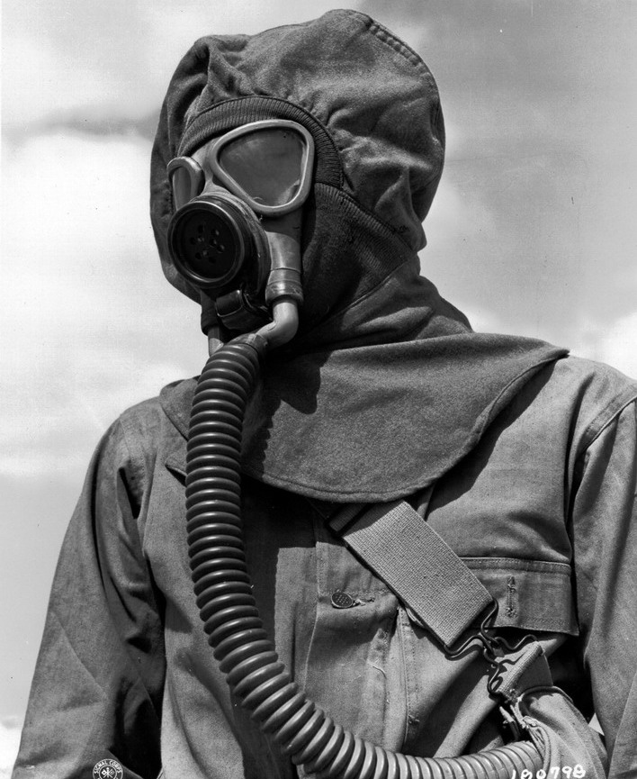 Gas mask ensemble (WWI era?)