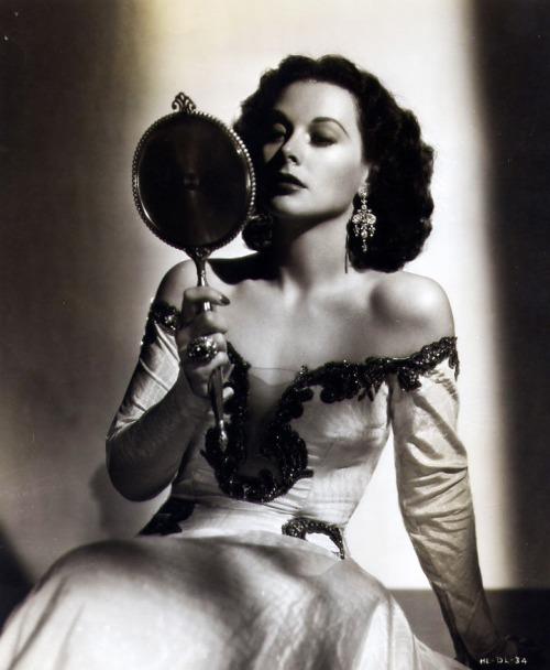 Hedy Lamarr, 1946