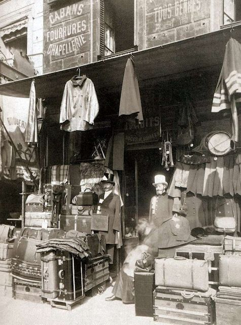 Parisian shop by Eugene Atget, circa 1910