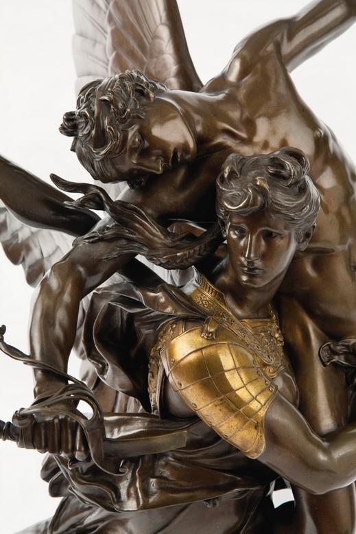 statue-944