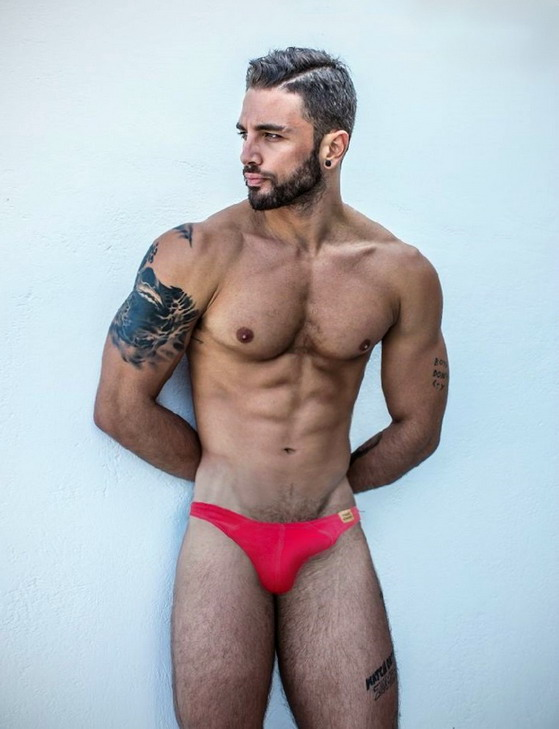 beard-and-speedo-41283