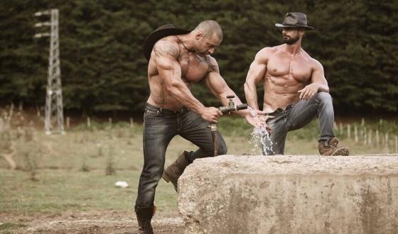 cowboy-shirtless-2861