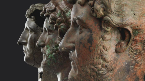 emperor-hadrian-x-3