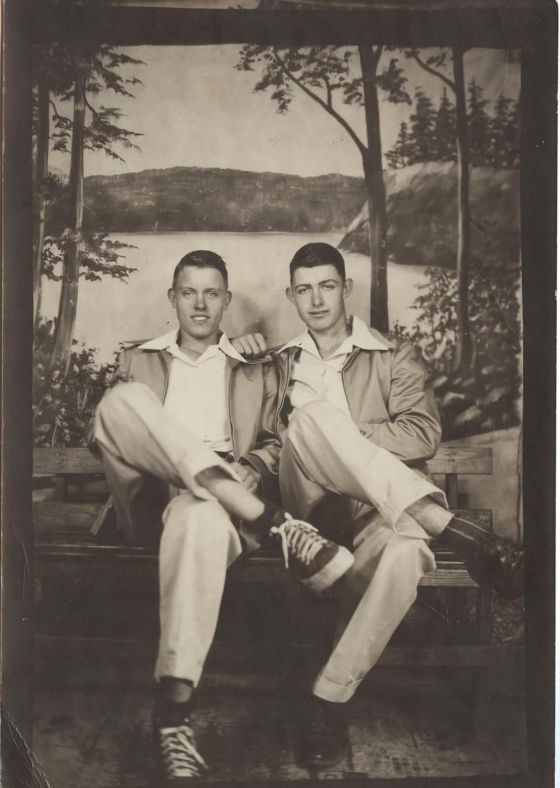 men-together-1940s-9506