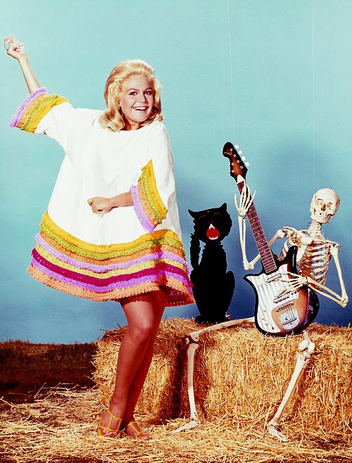 sandra-dee-1968
