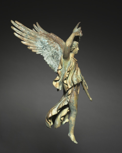 angel-of-victory-501