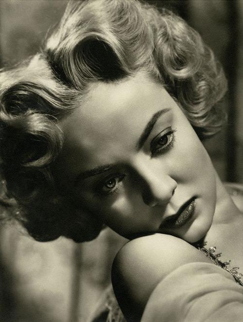 Audrey Totter, 1940s