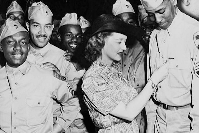 Bette Davis with the troops, WWII