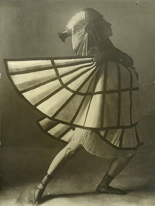 dancer-8500