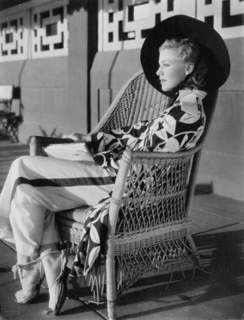 ginger-rogers-photographed-on-the-set-of-the-gay-divorcee-1934