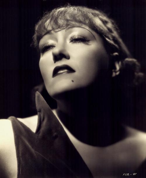 Gloria Swanson, 1937