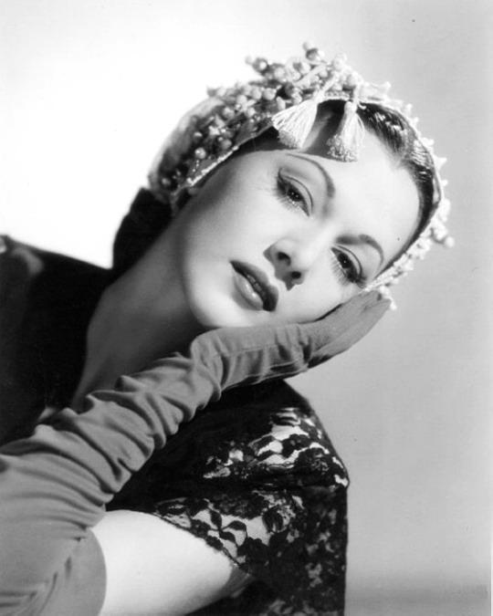 Maria Montez, 1942