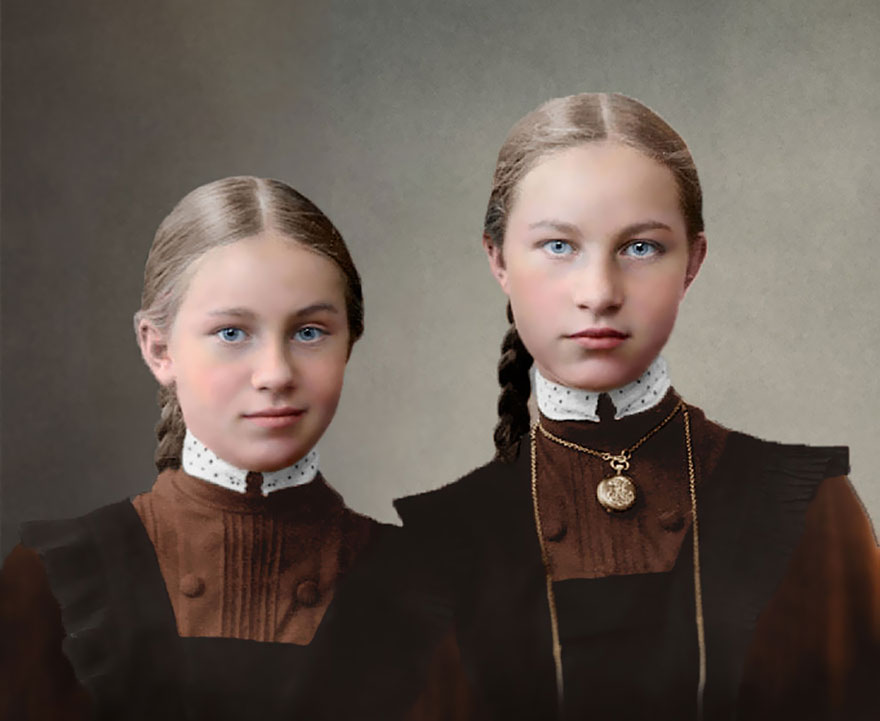 Colourized photo of two Russian girls, early 1900s