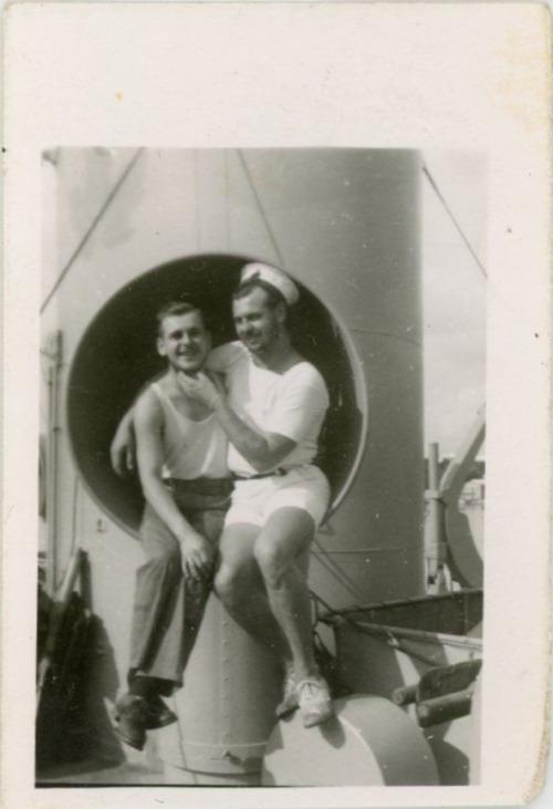sailors-together-943