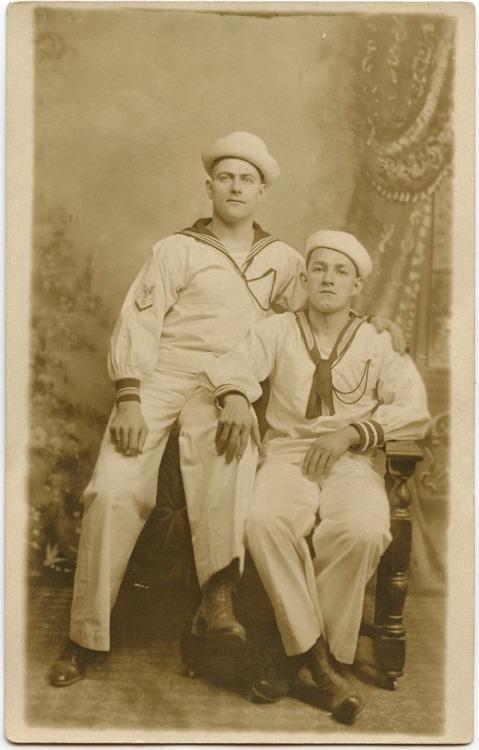 sailors-together-944