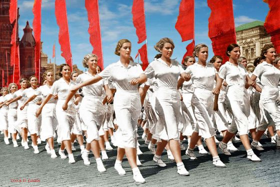 soviet-athletes-in-moscow-1937