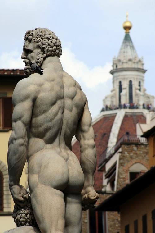 statue-butt-451